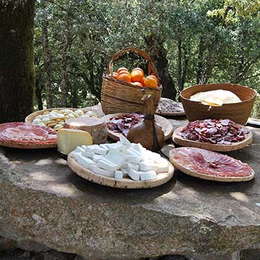 Pranzo tipico con i Pastori di Orgosolo